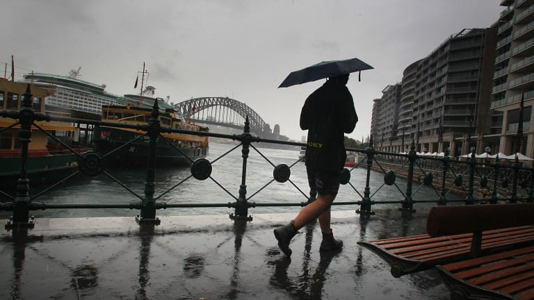 A cool change and some showers will arrive in Sydney on Wednesday and stick around for the rest of the week.
