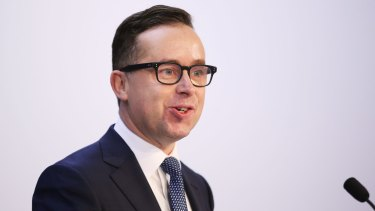 Carbon emissions remain a big issue for the aviation industry, says Qantas chief executive Alan Joyce.