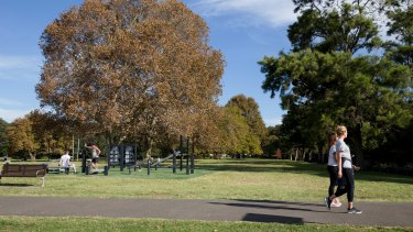 Residents have moved to block the installation of skate facilities at Rushcutters Bay Park for fear it will disturb the peace.