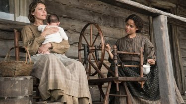 Newt shacks up with both Serena (Keri Russell) and Rachel (Gugu Mbatha-Raw).
