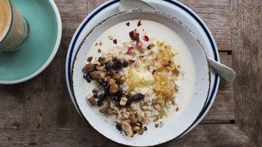 The activated porridge has bee pollen and is drowning in milk.