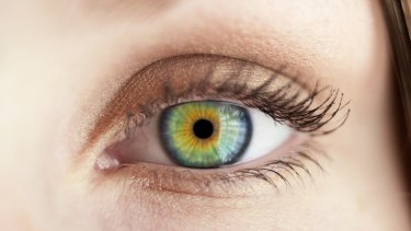Look people in the eye: one way to appear more intelligent.