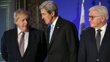 Boris Johnson, John Kerry and Frank-Walter Steinmeier in Paris in December 2016.