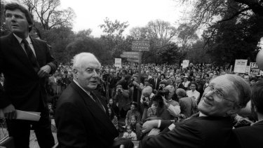 Malcolm Fraser and Gough Whitlam share a platform at a rally in 1991 for the Save the Age campaign.