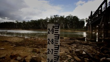 An independent report has found compliance and enforcement of water policy has been poor in NSW.