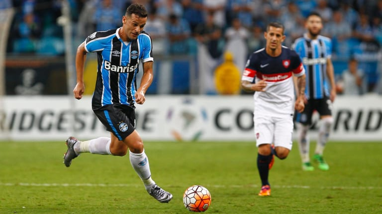 Marquee: Sydney recruit Bobo runs with the ball for Gremio during a match against San Lorenzo as part of Copa Bridgestone Libertadores 2016 in Porto Alegre, Brazil in March.