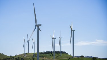 The Turnbull government has appointed a wind farm commissioner to handle complaints against the industry.