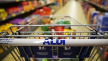 Aldi wants to make its checkout queues faster, but backs speedy operators over self-service checkouts.