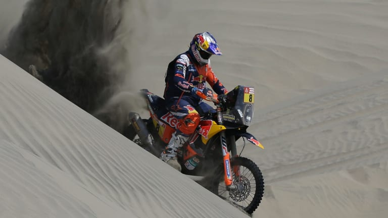 Toby Price rides his motorbike in Peru.