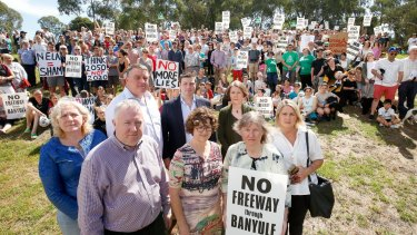 Residents joined Manningham Cr Dot Haynes, Boroondara Cr Phillip Healy, Boroondara mayor Jim Parke, Boroondara Cr Cinthia Watson, Liberal member for Kew Tim Smith, Boroondara Cr Lisa Hollingsworth , Greens MLC Samantha Dunn and Ivanhoe Liberal candidate Monica Clark in protesting the North East Link.