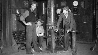 Port Kembla steel workers, August 1948