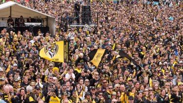 The crowd at Punt Road Oval.