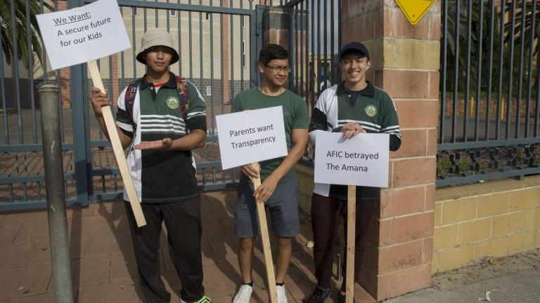 Students protest outside Malek Fahd Islamic School in 2016.