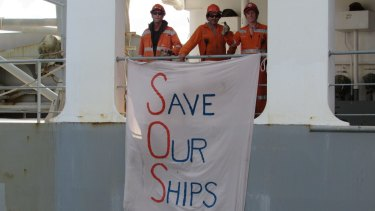 There are attempts to force the crew of the MV Portland to sail the ship to Singapore.