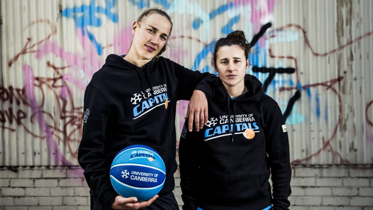 Mikaela Ruef and Lauren Mansfield have signed with the Canberra Capitals.