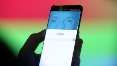 The new Galaxy Note 7 can scan your iris as an alternative to fingerprint recognition.