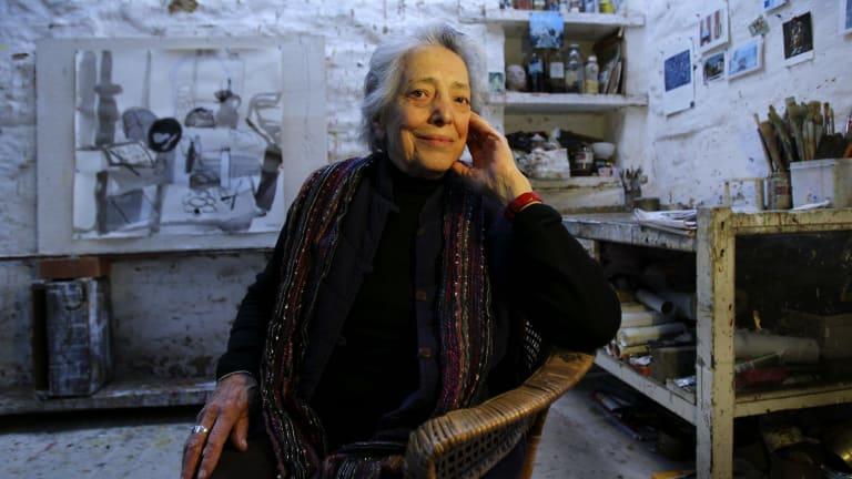 Artist Elisabeth Cummings at her Wedderburn home in 2010.