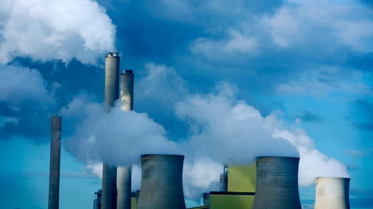 Coal conundrum: shut down power plants early, but will emissions end up being higher?