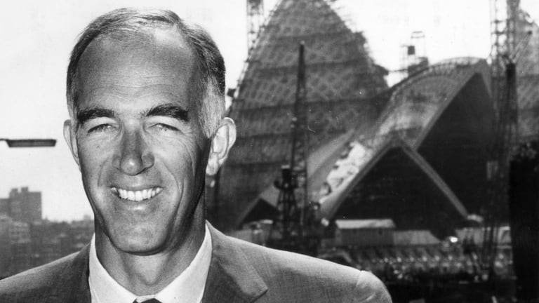 Danish architect Jørn Utzon in front of the Sydney Opera House during its construction.