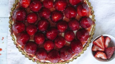 Strawberry and lime cheesecake with pretzel crust.