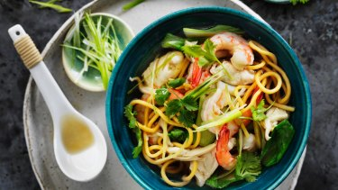 Noodle soup with seafood.