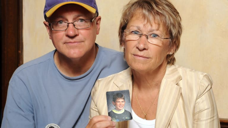 Patty and Jerry Wetterling show a photo of their son Jacob Wetterling, in 1998.
