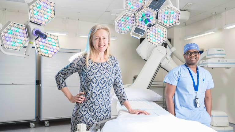 Dr Jennifer Stevens spearheaded a program at St Vincent's Hospital to reduce the number of patients being prescribed opioids on discharge. She's here with with neurosurgery registrar Dr Ron Murambi.