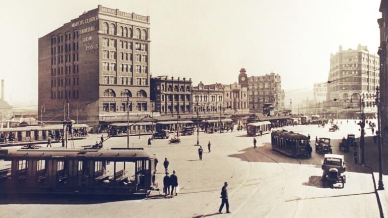 Trams in Railway Square, looking down George Street in 1920.