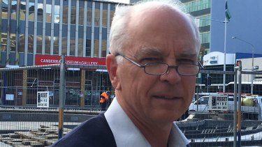 Peter Middleton, of the ACT Civil Contractors Federation and Woden Contractors, says the tram deal risks a slow-moving train wreck.