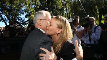 Malcolm Turnbull greets Fiona Scott during the 2016 campaign
