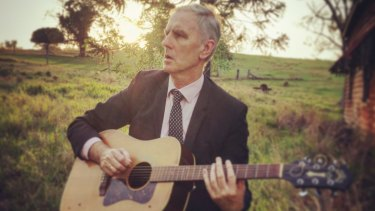 Robert Forster - tells how he and Grant McLennan decided to end the band in 1989 and return to their beginnings as a duo.
