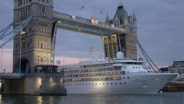 The Silver Cloud leaves London for warmer climes.