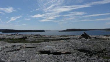 The rock structure in Canada where the fossils were found.