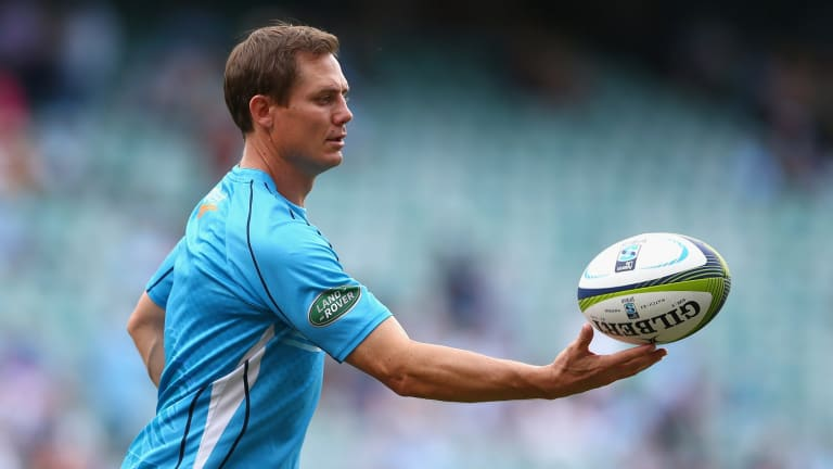 Stephen Larkham has signed a contract extension with the Brumbies.