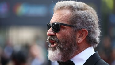 Hacksaw Ridge director Mel Gibson attended the show without his pregnant partner, Rosalind Ross.