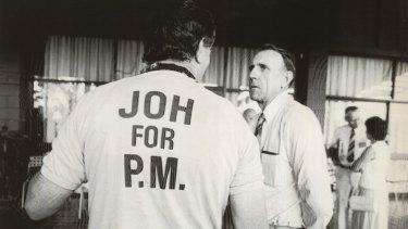 Joh Bjelke-Petersen supporters back his bid for Canberra.