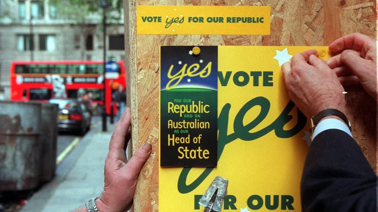 A poster urges voters to back a republic before the unsuccessful 1999 referendum.