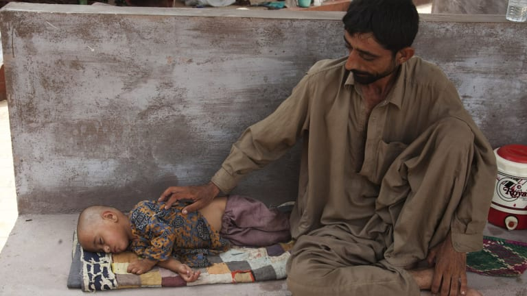 Dehydration: extreme heat in mid-2015 killed at least 800 people in Pakistan.