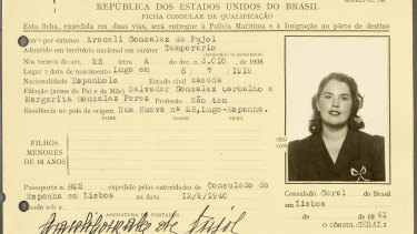 A visa for Araceli Gonzalez de Pujol.