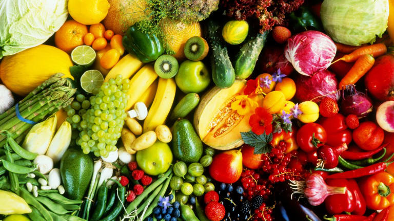 Ten fruits and vegetables you're storing wrongly