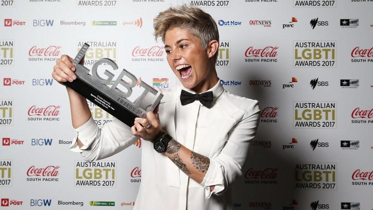 Michelle Heymanwith her award.