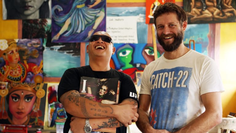 Artist Ben Quilty (right) has called for Sydneysiders to attend a candlelight vigil for Andrew Chan (left) and fellow drug trafficker Myuran Sukumaran (not pictured).