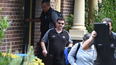 The AFP and tax investigators raid Craig Wright's home in Gordon.