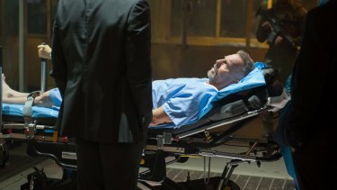 Kevin Costner receives the memories and skills of a dead CIA agent in <i>Criminal</i>