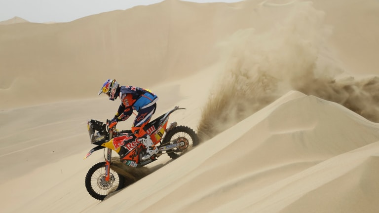 Toby Price rides the first stage of the 2018 Dakar Rally.