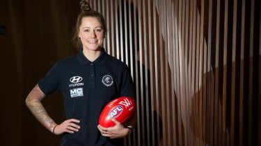 Melbourne are chasing Carlton's Bianca Jakobsson