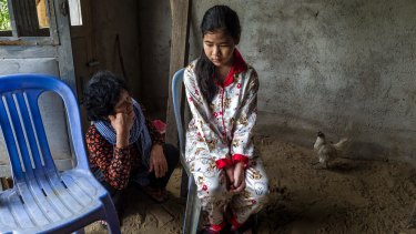 Sy Heap, the mother of jailed activist Tep Vanny, speaks to Vanny's daughter, Ou Kung Panha.