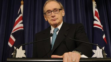 Former NSW Premier Bob Carr is backing calls for ice rooms