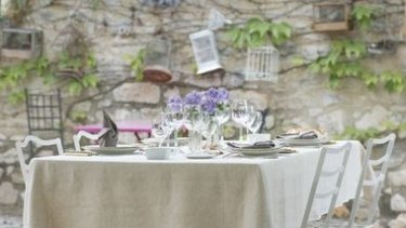 Learn how to set a table and entertain the French way.