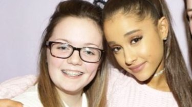 Georgina Callander (left) with US pop star Ariana Grande in 2015.